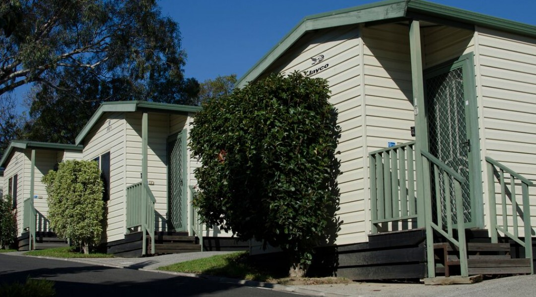 1 bedroom cabin 5 berth melbourne accommodation self contained
