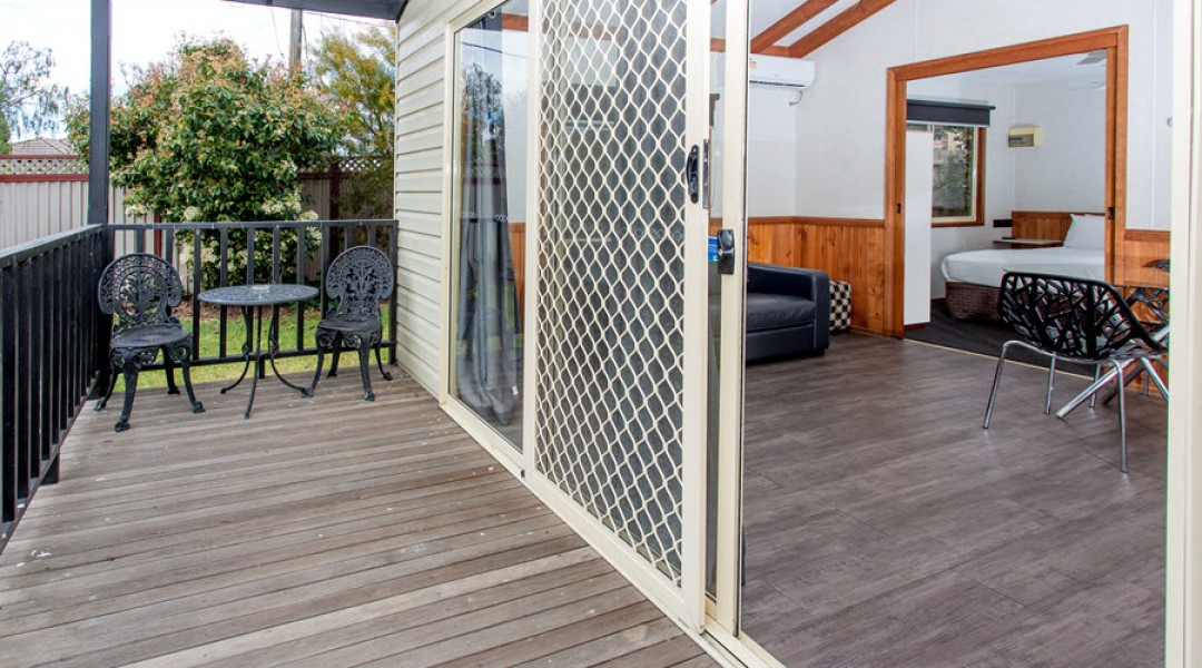 BIG4 Melbourne Accommodation One Bedroom Spa Cottage 2 berth 900px 4