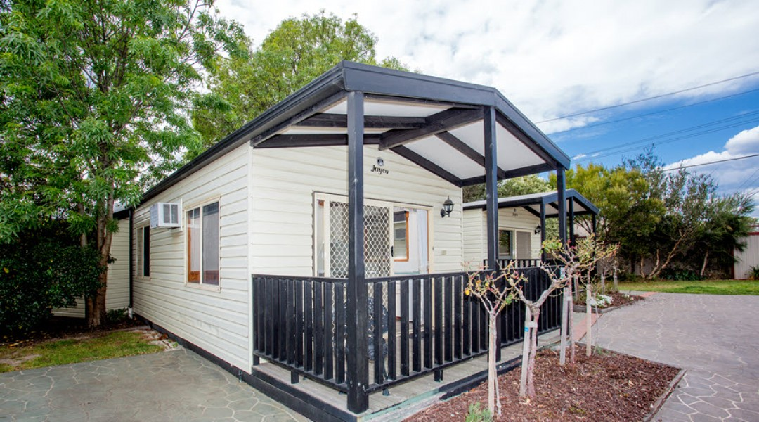 BIG4 Melbourne Accommodation One Bedroom Superior Cottage 2 berth 900px 00