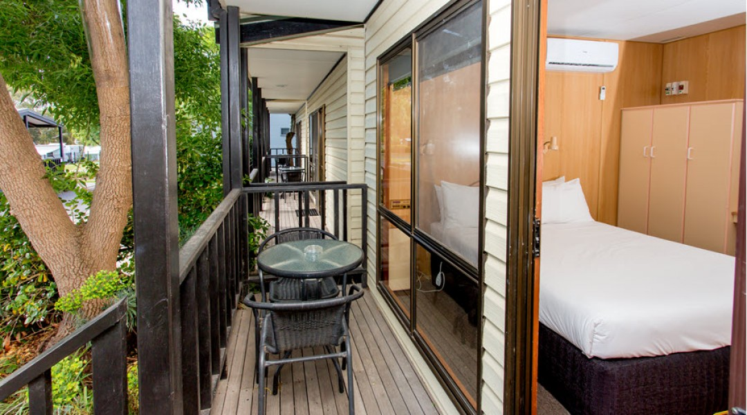 BIG4 Melbourne Accommodation Studio Cabin 2 berth 900px 1