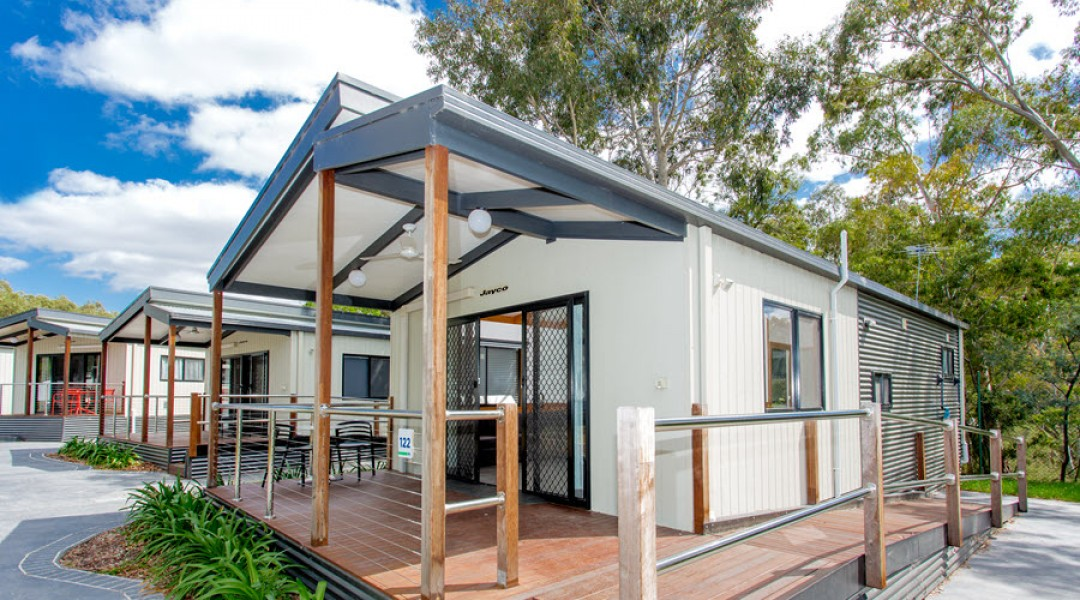 BIG4 Melbourne Accommodation Two Bedroom Accessible Family Cabin 900px 00