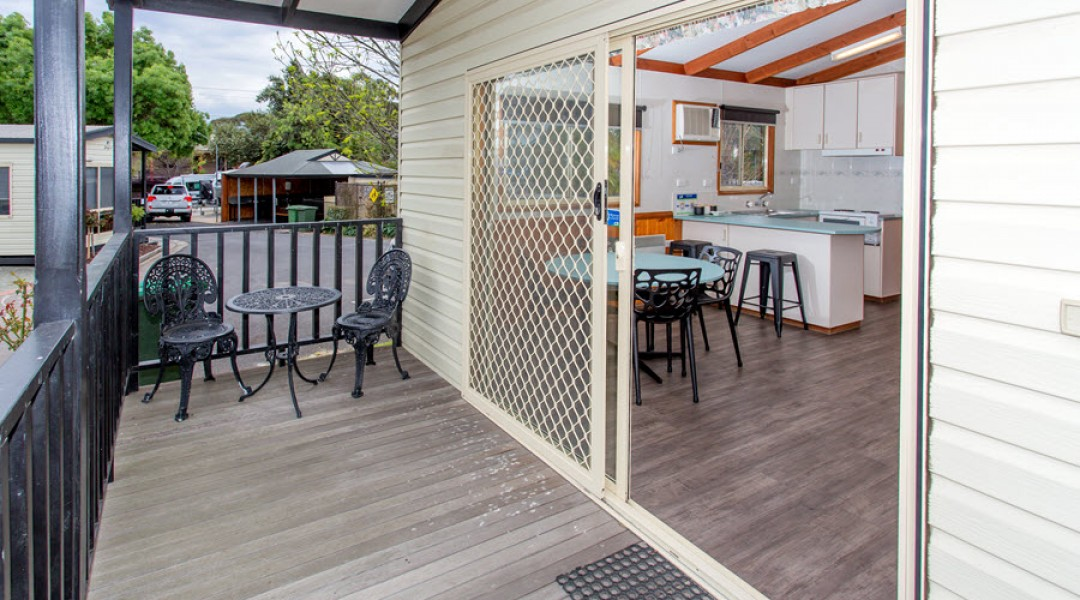 BIG4 Melbourne Accommodation Two Bedroom Holiday Unit 5 berth 900px 01